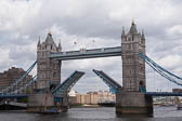 Tower-Bridge--518