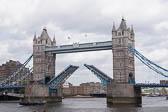 Tower-Bridge--519