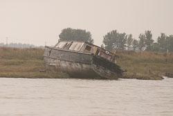 Boat_In_Ruins_07.jpg
