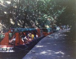 Venture_Scouts,_Llangollen_Canal,_1976-006.jpg