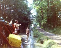 Venture_Scouts,_Llangollen_Canal,_1976-007.jpg