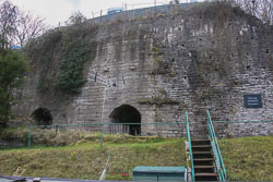 Pontcysyllte_Lime_Kilns,_Llangollen_Canal-002.jpg