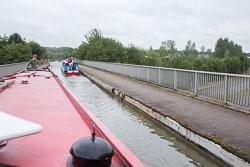 Grafton_Street_Aqueduct,_Milton_Keynes-005.jpg