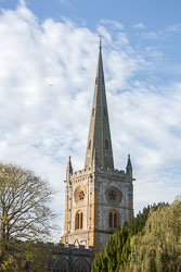 Stratford-Upon-Avon_Holy_Trinity_Church-001.jpg