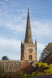 Stratford-Upon-Avon_Holy_Trinity_Church-004.jpg
