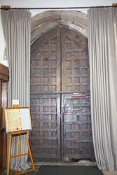 Stratford-Upon-Avon_Holy_Trinity_Church-009.jpg