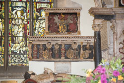 Stratford-Upon-Avon_Holy_Trinity_Church-016.jpg
