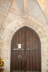 Stratford-Upon-Avon_Holy_Trinity_Church-050.jpg
