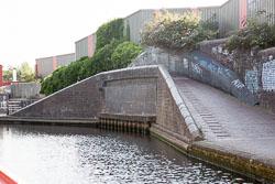 Birmingham_-_Fazeley_Canal-1431.jpg