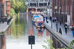 Worcester_-_Birmingham_Canal-001.jpg