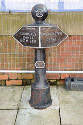 Rochdale_Canal,_Duke's_Lock-053.jpg
