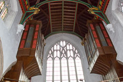 Leicester,_St_Martin's_Cathedral-017.jpg