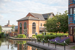 Birmingham_-_Fazeley_Canal-176.jpg