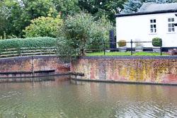 Stratford_Upon_Avon_Canal-3188.jpg