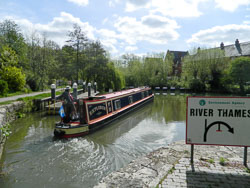 Oxford_Canal_Isis_Lock-007.jpg