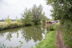 Birmingham_-_Fazeley_Canal-1556.jpg