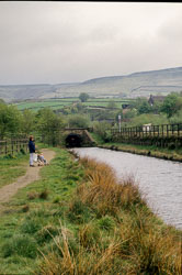 Standedge_Tunnel,_Tunnel_End,_Diggle_-001.jpg