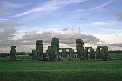 Stonehenge-003.jpg