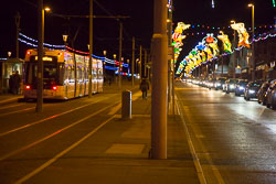 Blackpool,_Tram,_Illuminations-002.jpg