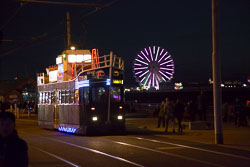 Blackpool,_Tram,_Illuminations-003.jpg