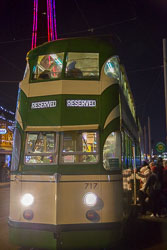 Blackpool,_Tram,_Tower,_Illuminatins-001.jpg