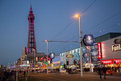 Blackpool_Tower,_Illuminations-003.jpg