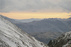 Fairfield_with_Tarn_Crag_and_Deepdale_Hause,_2.jpg