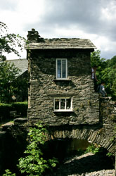 Smallest_House,_Ambleside-003.jpg