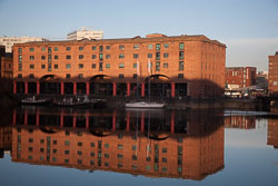 Albert-Dock-Relfections-002.jpg