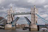 Tower-Bridge--509