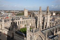 All_Souls'_College,_Oxford_-006.jpg