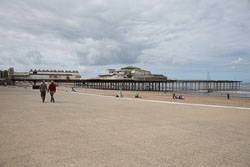Colwyn-Bay-Pier-001.jpg